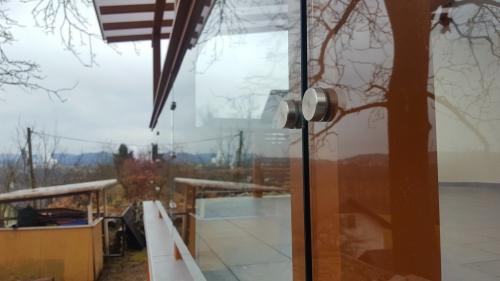 Steklena ograja 27