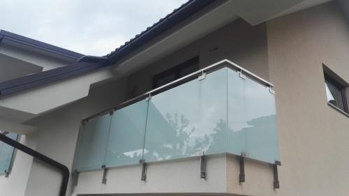 Steklena ograja 8