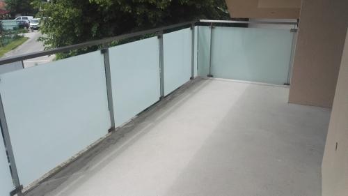 Steklena ograja 9