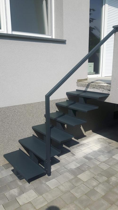 kovinske stopnice 13