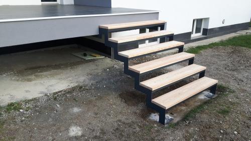 kovinske stopnice 17