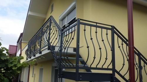 kovinske stopnice 18