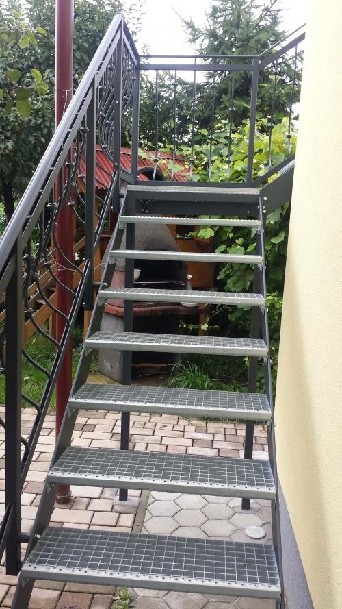 kovinske stopnice 19