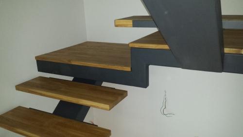 kovinske stopnice 21