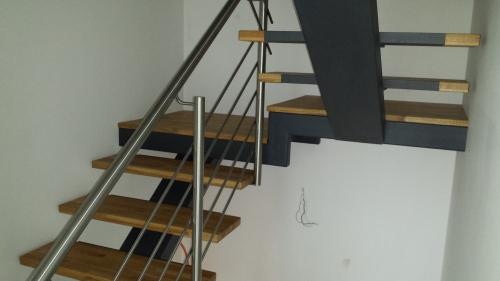 kovinske stopnice 23