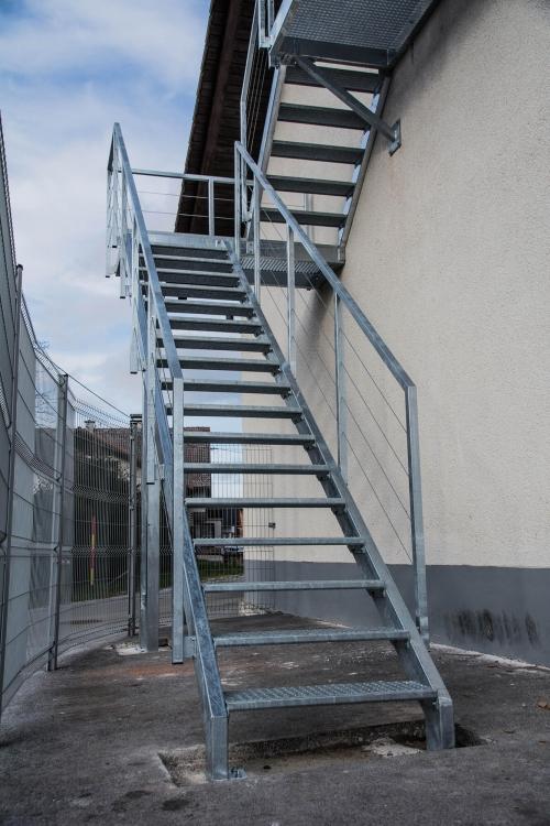 kovinske stopnice 25