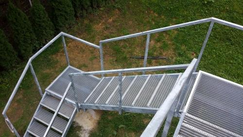 kovinske stopnice 26