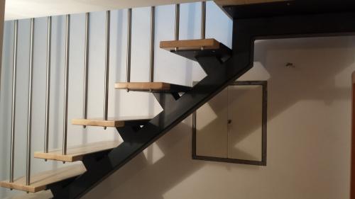 kovinske stopnice 27