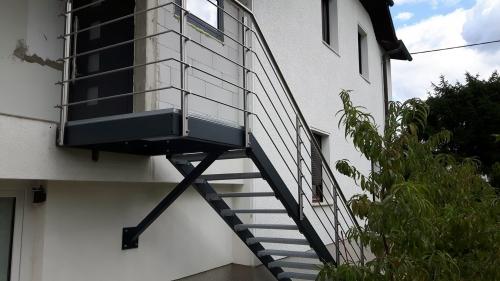 kovinske stopnice 8